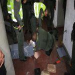 Incautaron marihuana oculta en columnas metálicas y en una nevera