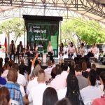 Más de $324.000 millones aportó a la educación gestión de Dilian Toro
