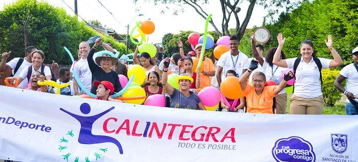 Programa Calintegra inició actividades con recorrido por la Comuna 16