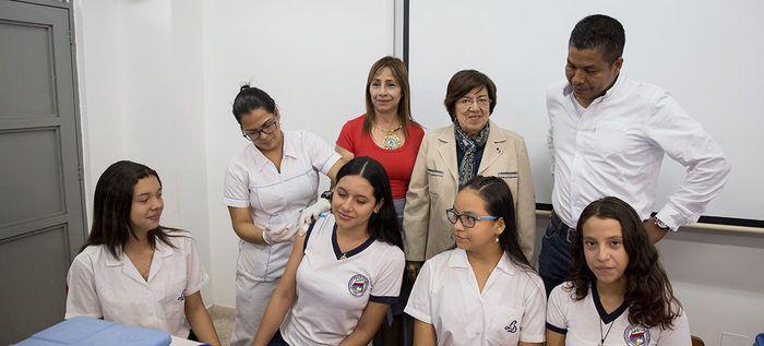 En el Liceo Departamental tuvo gran acogida jornada de vacunación contra el VPH