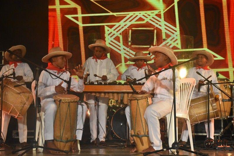 Los Petronitos dieron inicio al Festival Petronio Álvarez