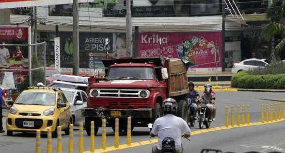 Suspenden temporalmente circulación de camiones y tractocamiones en Cali