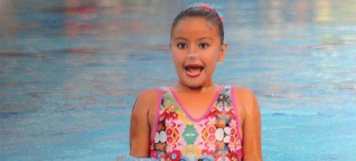 Caleña de 9 años se coronó triple campeona de nado sincronizado en EE.UU.
