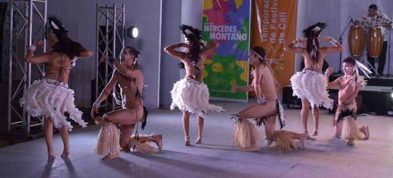 """""""La Cueca"""" de Chile deslumbró en el Encuentro de Danzas Folclóricas Mercedes Montaño"""