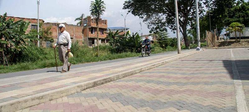 Barrios Los Naranjos y Las Orquídeas estrenan calles adoquinadas