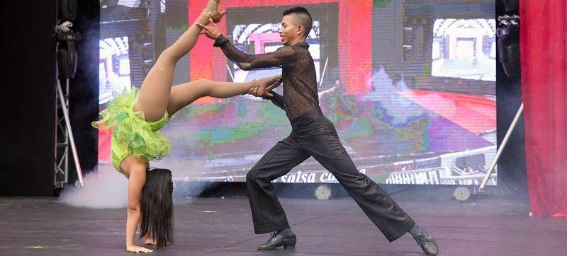 Bailarines entregaron todo en las eliminatorias del Festival Mundial de Salsa