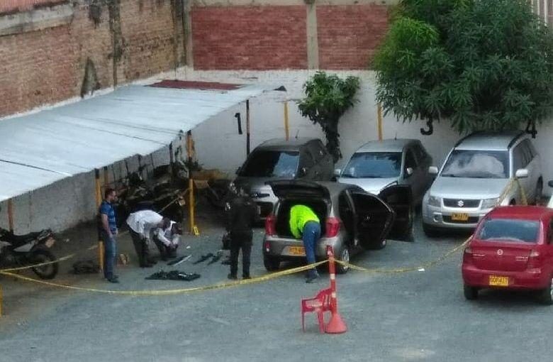 Fiscalía investiga caso de vehículo hallado con arsenal en el centro de Cali