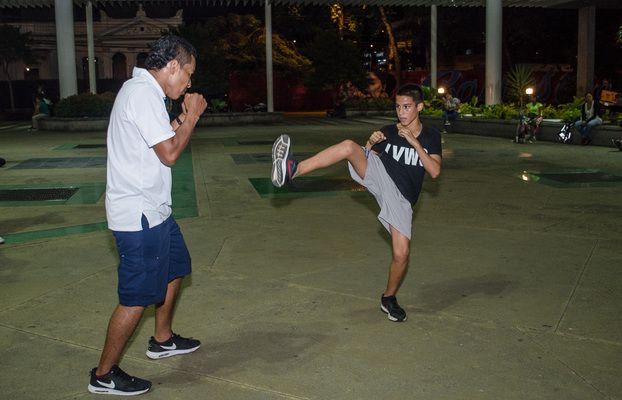 En Fotos: Alcaldía abre nuevas clases de Kick Boxing para los caleños