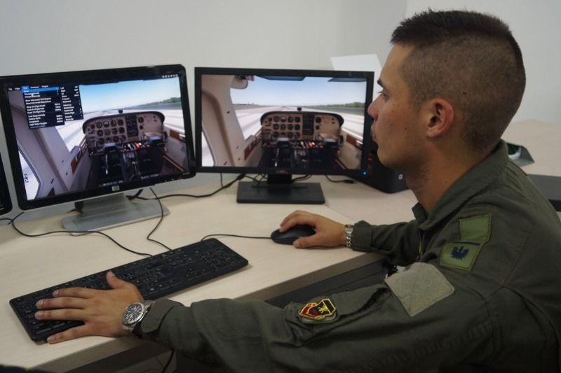 Conozca el Simulador de Vuelo construido por la Emavi