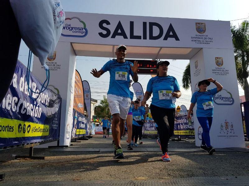 """Cientos de caleños disfrutaron la Carrera """"5K Jarillón"""""""