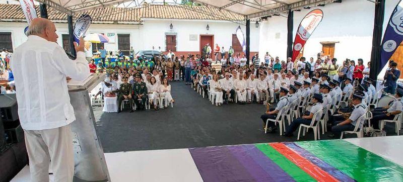 Caleños conmemoraron 483 años de la ciudad con emotivo acto