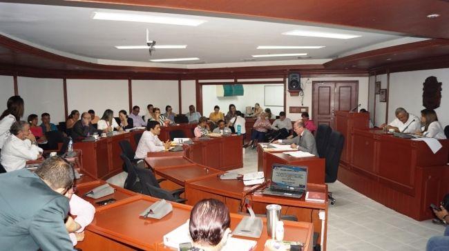 A primer debate políticas públicas para juventud, desarrollo económico y seguridad alimentaria
