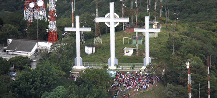 Recompensarán por información de violadores de dos mujeres en cerro de las Tres Cruces