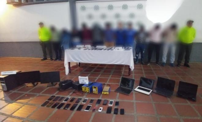 """Policía dio certero golpe contra """"blanqueadores"""" de celulares"""