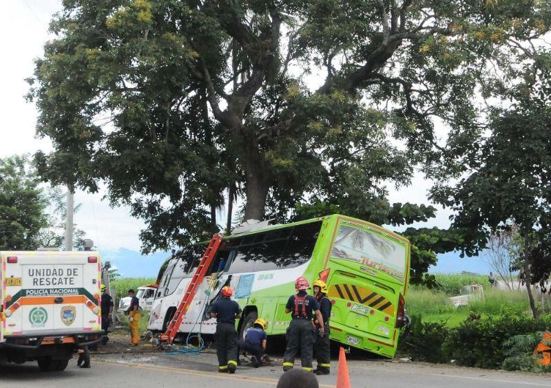 Accidente de bus que trasladaba a venezolanos dejó dos fallecidos
