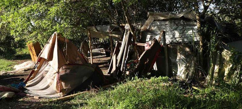 Desalojan asentamiento construido en la ribera del río Pance