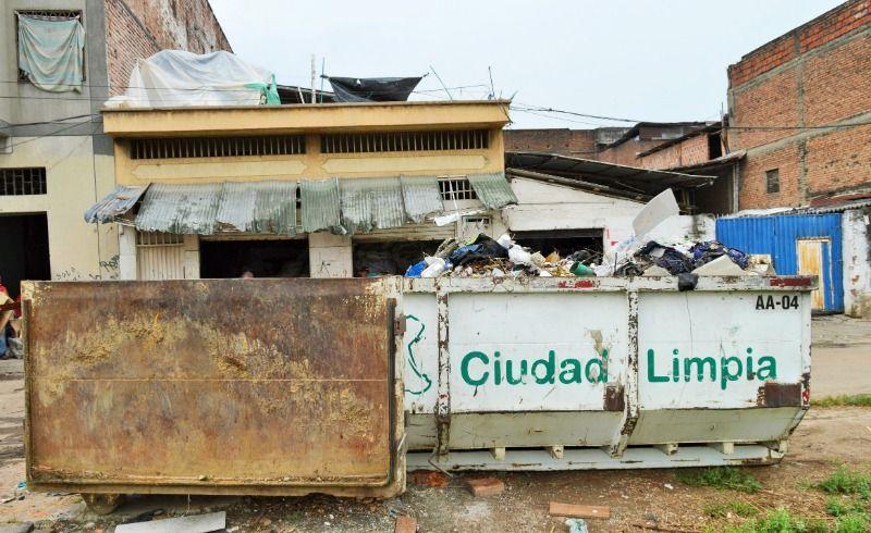 Despejan 8 mil metros cuadrados de material en área de renovación urbana