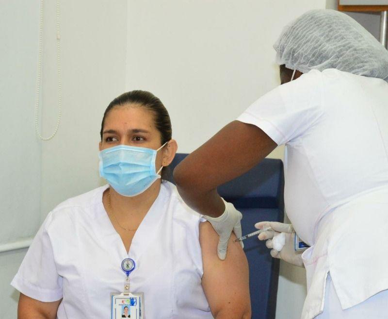 Así transcurrió el primer día de vacunación contra el Covid en Cali