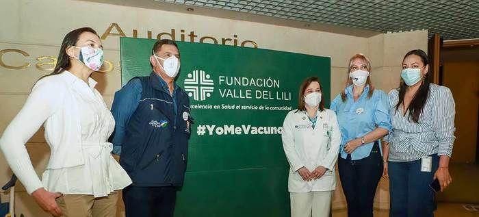 Alcalde de Cali pide no relajar autocuidado ante inicio de vacunación
