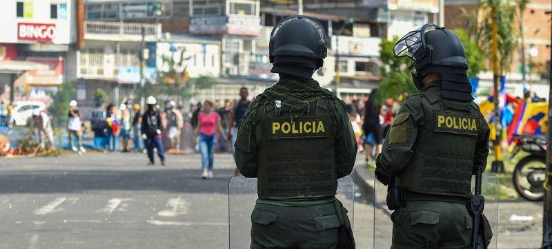 Policías y civiles resultaron lesionados en intentos de generar disturbios