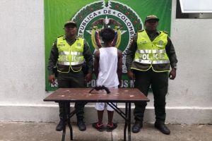 Aprehendidos 2 menores de edad en Los Mangos por porte de armas artesanales