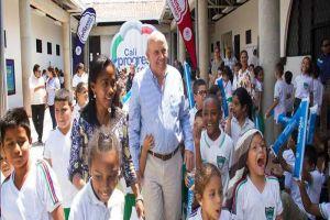 Alcaldía entregó 2 escuelas totalmente remodeladas en las comunas 4 y 9