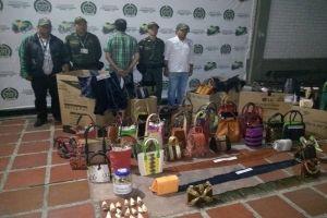 Decomisan más de 600 artículos hechos con pieles de animales exóticos en barrio El Refugio