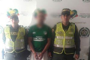 Detienen a sujeto en San Marino por violencia contra su mujer e hijo