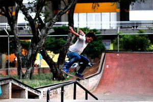 Juventud caleña toma la ciudad para la práctica de deportes extremos