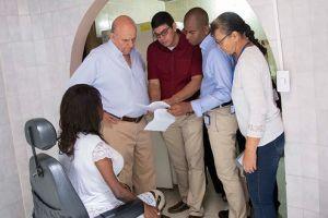 Habitantes de la Comuna 6 reciben mejoras para vivienda