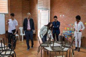 Gobierno de Japón visitó instituciones educativas para donación de mobiliario