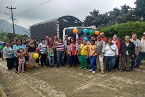 Comunidades rurales reciben camiones para impulsar sus procesos productivos