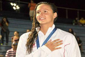Nadadora Isabella Arcila ganó oro en 100 mts Libre en Cochabamba