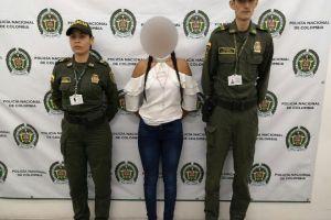 Detenida modelo guatemalteca con 28 dediles de droga en el estómago