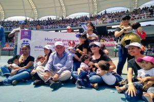 """""""La Lactatón más Grande del Mundo"""" congregó a más de 5.600 madres"""
