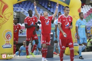 América recuperó el triunfo 2-1 contra Jaguares