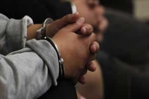 Por agredir físicamente a una menor de edad los mandaron a la cárcel