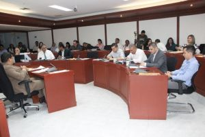 Concejales exigieron invertir en asistencia psicosocial para escolares