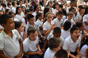 Gobernación entregará zapatos deportivos a estudiantes