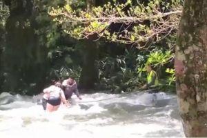 Patrullero arriesgó su vida para salvar a tres personas en el río Pance