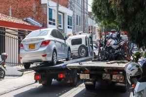 Intensifican operativos contra vehículos mal estacionados
