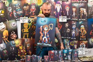 """Creaciones de """"Jack Ampon"""" atrae miradas en la Feria Internacional del Libro de Cali"""