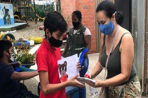 Docentes de  La Buitrera promueven donación de equipos para estudiantes