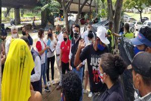 Piden a migrantes venezolanos despejar voluntariamente las zonas verdes