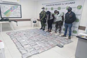 Detenidos por transportar droga en una camioneta escolar