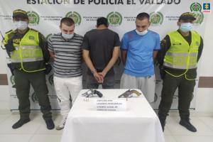 Detenidos tres hombres por herir de bala a un joven en el rostro